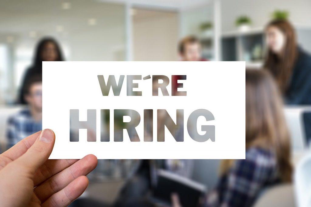 Illustratief bij sollicitatiebrief nakijken 'we're hiring'